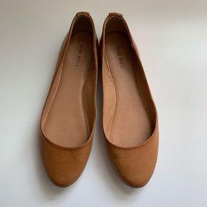 Nine West Slip On leather shoes, sz 9